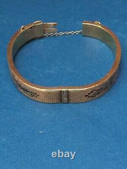 1890s Victorian Era 14k Gold Hollow Hinged Bangle Bracelet With Black Enamel