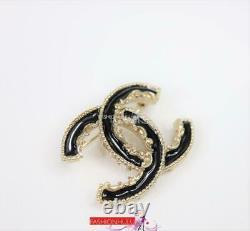 2014 CHANEL A61457 Small CC Black Enamel Baroque BROOCH