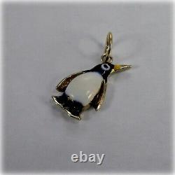 9ct Gold Opal Et Black Enamel Penguin Charm, Naissance De La Pierre D'octobre