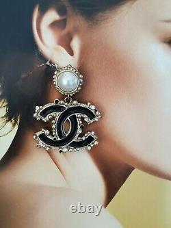Auth. Chanel 12a Drop Dancke Boucles D'oreilles Percées Or Émail Noir, Cristaux De Peals