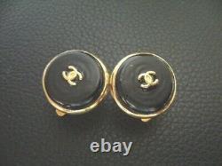 Auth Chanel Vintage Black & Gold CC Ronde Clip Boucle D'oreille (99p)