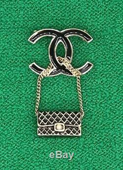 Chanel CC Classique Flap Émail Noir Broche Perles D'or Pin Charm