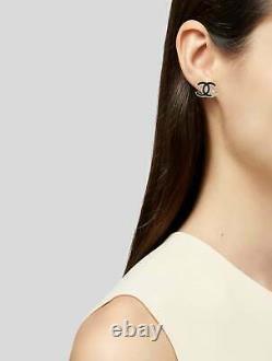 Chanel Émail CC 4 Feuilles Clover Stud Boucles D'oreilles Or Noir
