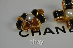 Chanel Vintage Clip_ons Perle Noire Et Or Émail Jumbo Signé Brillant