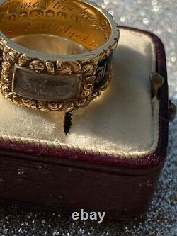 Géorgien 18ct Yellow Gold Wide Locket Front Blacks Enamel Band Ring