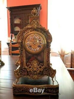 Superbe Antique Gold & Émail Noir Français Boulle Horloge Sur Un Plateau Works