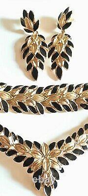 Trifari Bracelet Et Boucles D'oreilles En Émail Noir Gold-tone Cascading Floral Bib Bracelet & Boucles D'oreilles